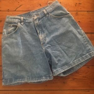 Vintage high-waisted denim wrangler shorts